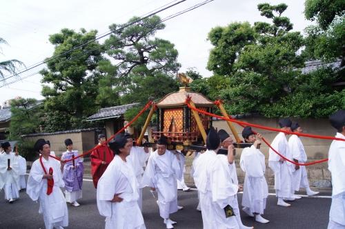 京都観光スポットと京都観光ガイド、無料の京都写真ギャラリーなど、京都観光情報満載のポータルサイト                春日祭